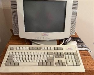 Vintage monitor with keybaord