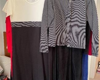 Nice assortment of name brand ladies clothing is sizes 6-10 petit