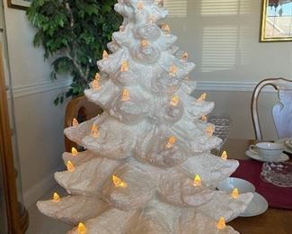 VINTAGE 1960'S  Large 24 inch Atlantic Mold White Ceramic Christmas Tree with music box, Fantastic piece!