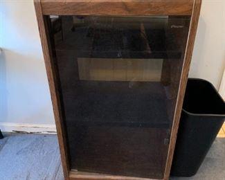 #10Laminate Stero Cabinet  (o' Sullivan)  24x19x44 $25.00