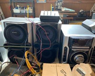 #76Sony 3 disc Changer MP3/Cd/ RW Model  HDC-EC77 w/4 speakers $30.00