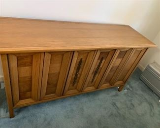 #138Ophisticate by Tominson Mid-Century Buffet w/accordian doors w/3 drawers & 1 shelf   60x19x31 $300.00