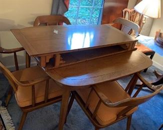 #143Tomlinson of High point mid century dining table 2 2 leaves and 6 chairs 42-78x42x19 $1,500.00