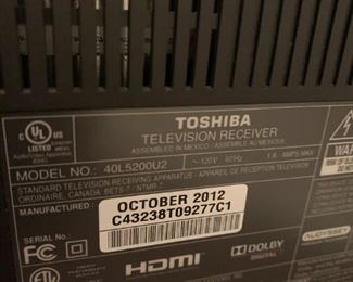 "#14640"" Toshiba 2012 Model 40L5200UT  $100.00"