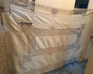 #208Navy Cloth 108'x60 - Cream Colored x 10 napkins $80.00