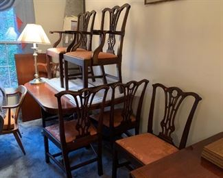 #145Chicago Pacific Com. Furniture Dining Table w/Pedistal Feet on Wheels  46-60x44x30 w/6 leaves  $275.00