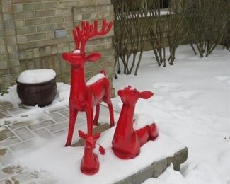 Holiday Red enamel pottery deer