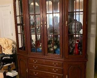 $1175 ~ OBO BEAUTIFUL HENKIL HARRIS SOLID   CHERRY BREAKFRONT CHINA CABINET