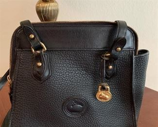 $48.- Black leather Dooney and Bourke