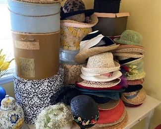 Several Ladies Hats(Some with Boxes)