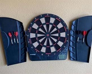 Wall mounted Dart Board - perfect for the den or Man Cave.