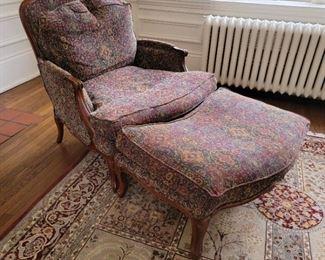 37 x 35 x 39, 1 ottoman available (16 x 35 x 23)