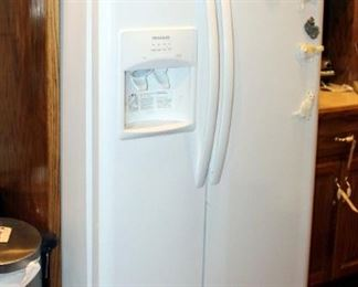 """Frigidaire Side By Side Refrigerator Freezer With Ice Maker And In Door Dispenser, Model FFS2615TP2, White, 70"""" x 36.5"""" x 35"""""""