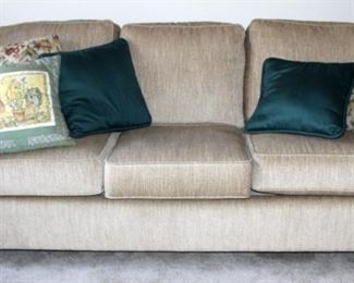 """Justice Furniture Upholstered Three Cushion Couch, 32"""" x 85"""" x 35"""", Made In USA, Includes Throw Pillows"""