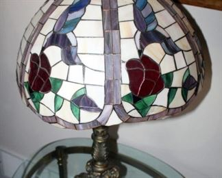 """Stained Glass Hummingbird With Roses Table Lamp With Metal Base, 26.5"""""""
