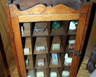 """Vintage Curio Cabinet, 22"""" x 14.5"""" x 9"""", Including Contents Of Ceramic Houses"""