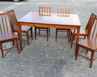Beautiful Mid Century Dining Table and Six Chairs