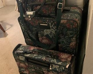 Floral luggage set