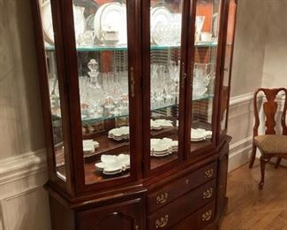 $450.00 Lighted China Cabinet by American Drew -Cherry Grove  Collection....Excellent Condition