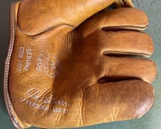 Joe Gordon Catchers Mitt
