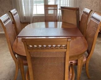 Thomasville Dining Room Table with Chairs