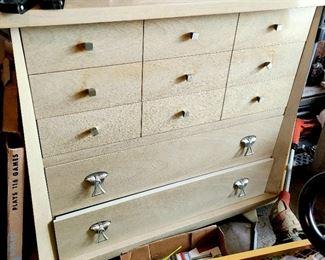 Mid Century Modern 5 drawer dresser