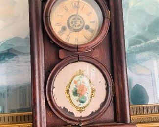 Multiple Mantle Clocks with Keys