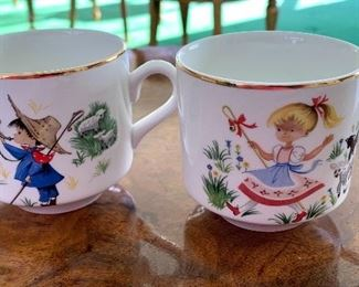 Pair of Adorable Vintage Mugs by Arklow (Ireland)