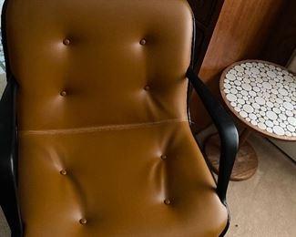 4 Vintage Mid Century Steelcase chairs