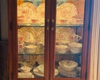 Thomasville Mystique lighted curio cabinet