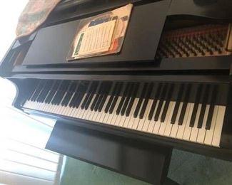 KNOBE BABY GRAND PIANO