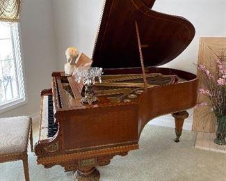 Menzel Piano 1920
