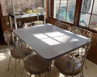 vintage  table with 6 chairs