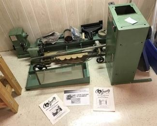 Grizzly Heavy Duty Wood Lathe with Gauges and Copying Attachment