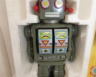 VIEW 2 SPACE WALKMAN ROBOT
