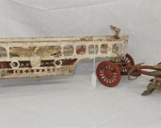 33IN EARLY CAST IRON FIRE ENGINE