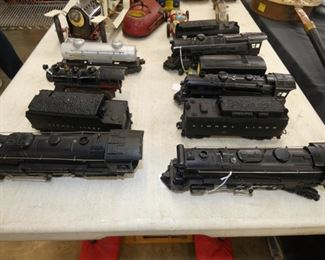 GROUP PICTURE TRAIN ENGINES
