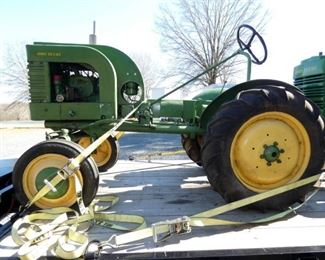 VIEW 7 OTHERSIDE 1919 JD TRACTOR