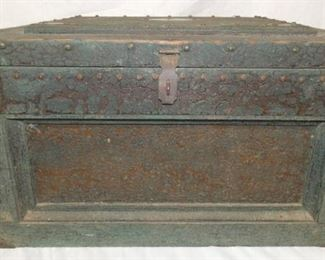 EARLY PRIM. TOOL CHEST
