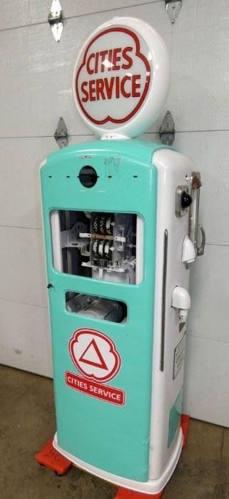 VIEW 5 1950'S BENNETT GAS PUMP