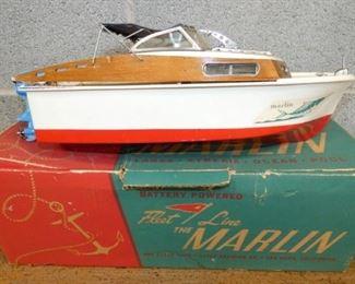 18IN MARLIN FLEET LINE BOAT W/ BOX
