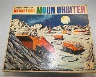 VIEW 2 MOON ORBITER W/ORG. BOX