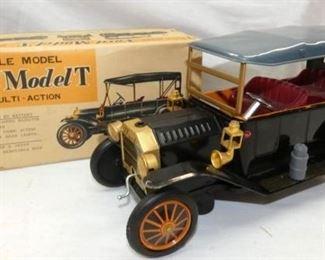 BO FORD MODEL T SCALE MODEL W/BOX