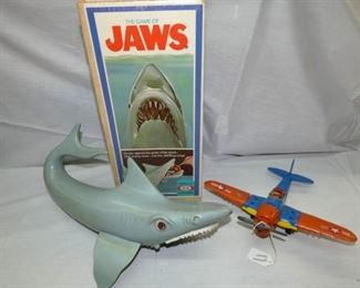 THE GAME OF JAWS/HUBLEY AIRPLANE
