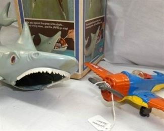 VIEW 2 JAWS/HUBLEY AIRLPLANE TOYS
