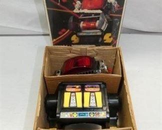 BO ACTION ROBOT INVADER W/PORG BOX