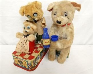 BO DRINKING BEAR/BARBER BEAR