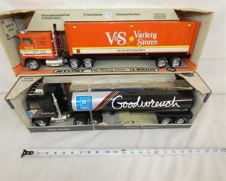 COLLECTION METAL TOY TRUCKS/TRAILERS