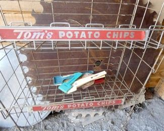 VIEW 2 TOMS POTATO CHIP DISPLAY