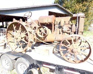 1920'S 1530 MCCORMICK DEERING TRACTOR